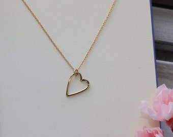 Heart Charm Elegant Necklace, gold delicate necklace, bridal jewelry, minimal necklace, heart cute necklace, gift idea, summer fashion