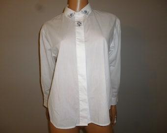 """Vintage 70's - Jantzen - Crisp White - Cotton - Embellished  - Embroidered Floral - Long Sleeve - Blouse - 42"""" bust"""