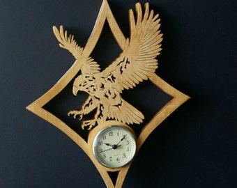Bald Eagle in Flight Wood Wall Clock Scroll Saw