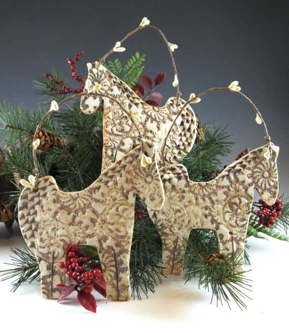 Horse ornament christmas ornament christmas by botanic2ceramic for Christmas tree made out of horseshoes