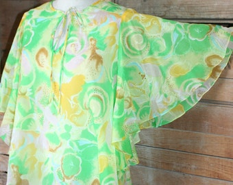 "1970's Vintage Flowy Sheer Kaftan Blouse - Tunic Top - Lightweight Blouse -  Playful Fun Swing Top - Butterfly Sleeve - Up to 42"" Bust"