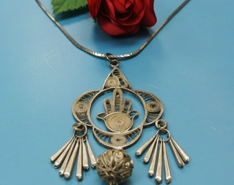 Vintage 1960s India handmade altered silvercolor filigree pendant necklace with metal chain