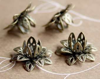Free Shipping in UK - Antique Bronze Brass Flower Bead Cap - Pack of 16
