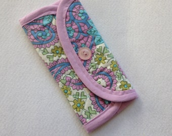Crochet Hook Case - Lavender Paisley, quilted storage case for crochet hooks, tri fold hook carrying case in purple paisley