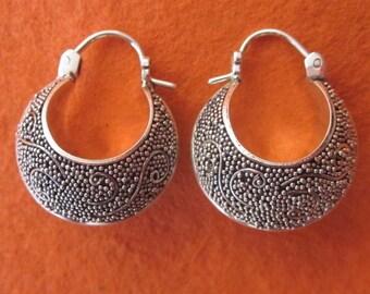Unique granulation technique art Silver Sterling hoop Earrings /  silver 925 / Bali handmade jewelry (#535K)