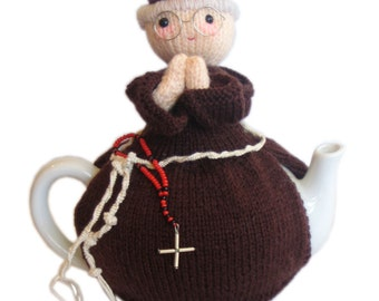FRANCISCAN Priest from Rome Tea Cosy PDF Email Knit PATTERN