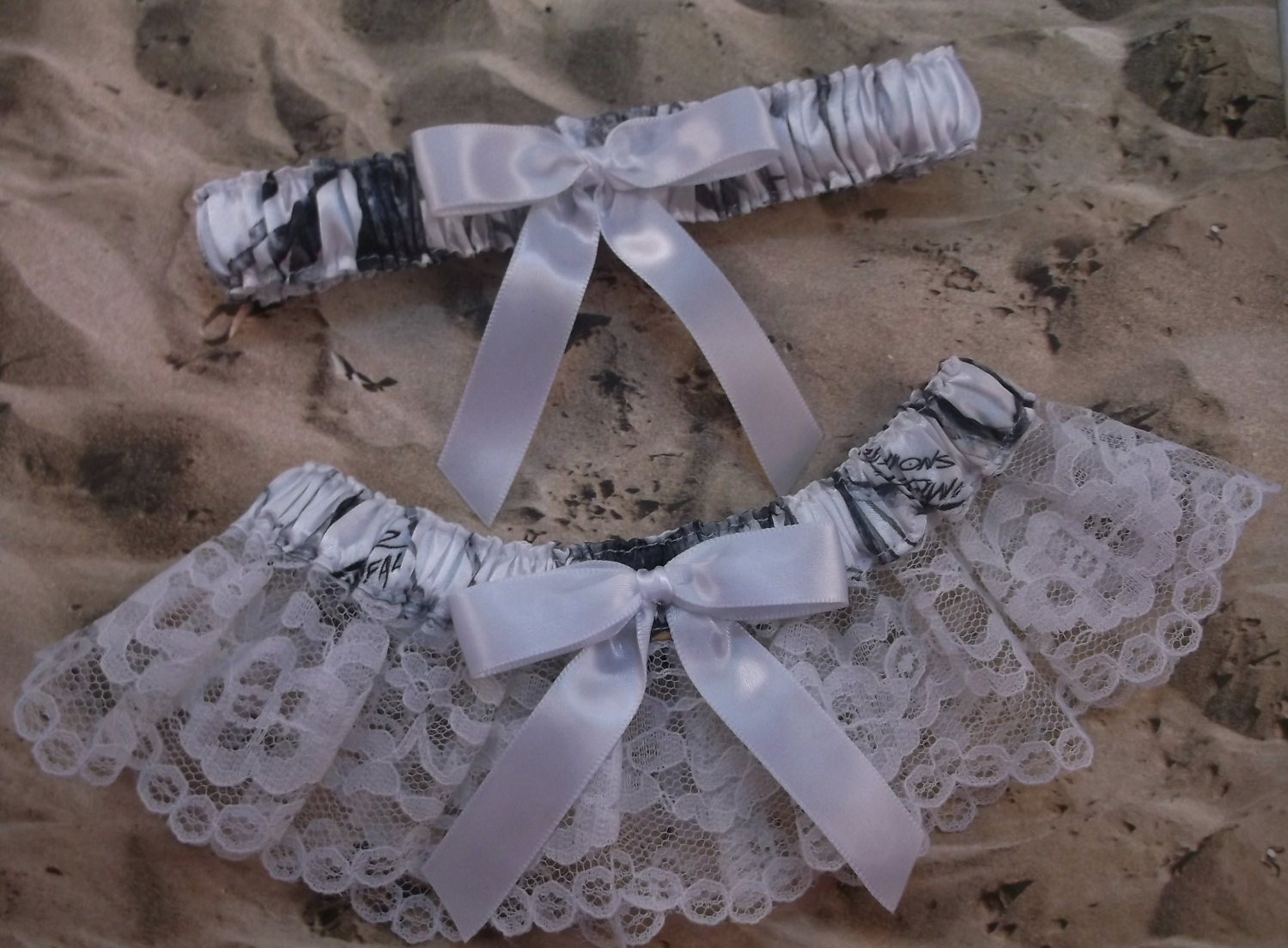 Snow camo camouflage white ribbon lace bridal wedding garter for Camo ribbon for wedding dress