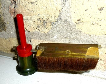 From the Land of Mis-Fit Bakelite. A Genuine Whatzit. Red and Green Bakelite.