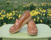 Vintage 70s COBBIE Loafers Wedge Moccasins - Size 8 - Gumsole - Granny