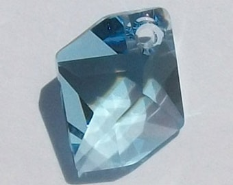 Swarovski elements crystal Pendant bead COSMIC Freeform -- AQUAMARINE - Available in 14mm and 20mm