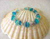 Cultured sea glass bracelet, tumbled sea glass, fish charm bracelet, bridesmaid bracelet, beach bracelet