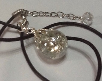 Vintage crystal clear crackle glass pendant necklace - iced diamond - fried glass marble jewellery on real leather cord