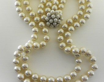 Wonderful Italian necklace, 1970-2 wire cascade of excellent white pearls, precious clasp --Art.821-