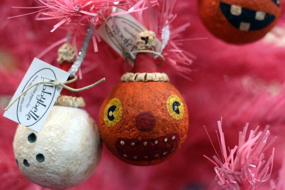 Wide-Eyed Vintage Folk Art Pumpkin Ornament