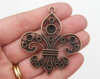 BULK 10 Fleur de lis pendants antique copper tone CC7 - SALE 50% OFF