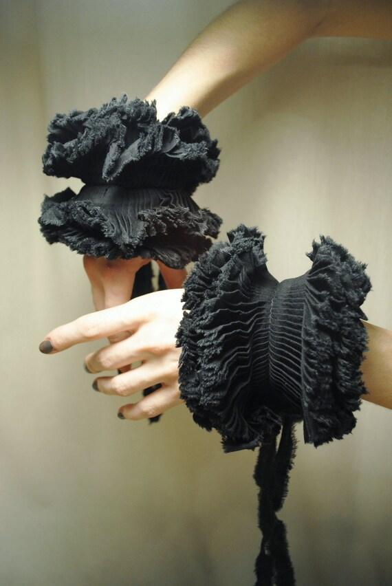 RESERVED Ruffled detail Cuffs/ Detachable cuffs/ Black cuffs/Pleated cuffs/Textile bracelet/ Ruffle fashion/ Modern boho/ gift under 50