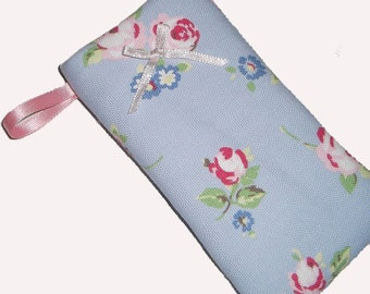 Shabby Chic Rose Mobile Cellphone Ipod Gadget Case Pouch Sock PADDED Gift Idea