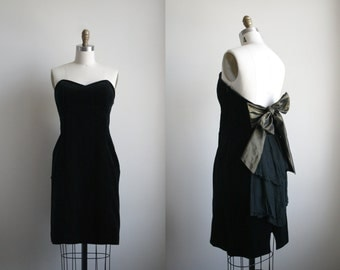 Black Velvet Sweetheart Dress with Bronze Bow Back - Vintage Prom Dress