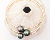 Set of 3  Yellow Gold Filled or Pink Rose Gold Filled Bangles with Tahitian Pearls