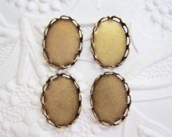 4 - Antiqued brass 18x13mm lace settings - GR132