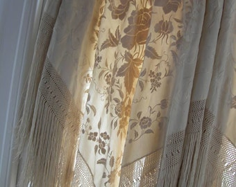 FLAPPER, 1920's Vintage Ecrue Spring, Christmas, Wedding, Hand-Embroidered Silk Piano Shawl, Floral, Canton, Flamenco