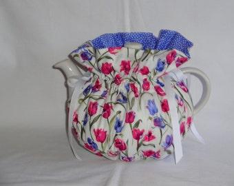Pretty Tulips Print Reversible  6 Cup Teapot Cozy