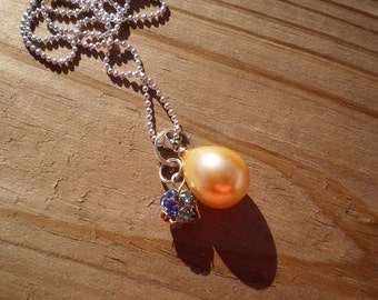 Yellow Shell Pearl Pendant Necklace