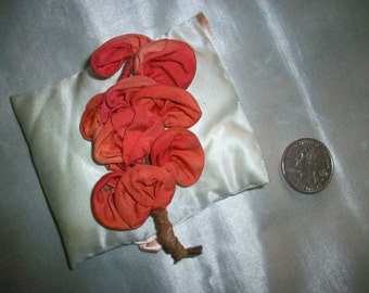 Lovely silk ribbonwork flower ombre authentic 1910 to 1920