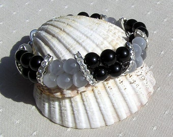 "Black Onyx & Gray Cat's Eye Crystal Gemstone Bracelet ""Baltica"", Black Bracelet, Gray Bracelet, Chakra Bracelet, Leo, Beaded Bracelet"