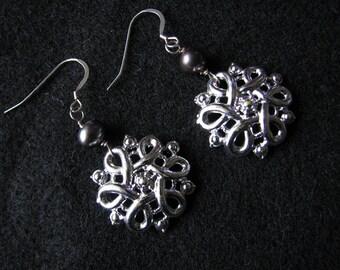 Freshwater pearl earrings | sterling silver | vintage | silver knot | dangle | bridal pearl | Final Sale