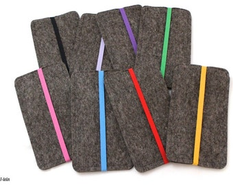 Felt cover for your phone with colored elastic strap