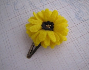 Summer Walk . clippie or snap clip . felt flower . girls hair accessory . yellow brown