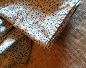 READY TO SHIP-Set of 8 Dinner Napkins in Blue Rosebud Cotton-Fabric Napkins-Large Prairie Style Calico Cotton Napkins-20x20 Dinner Napkins-