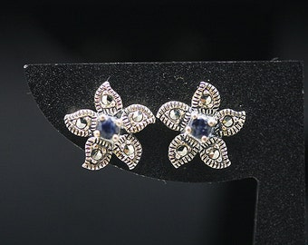 1pair(te-0045) -sterling silver earrings with marcasite and natural sapphire