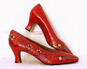 Vintage 1980s Colorful Pumps Red Decorative Cutout Unworn Medium Heel Shoes / U.S. 6.5-7 Narrow