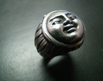 Heavy Sterling Silver Sun face Poison ring with diamond eyes