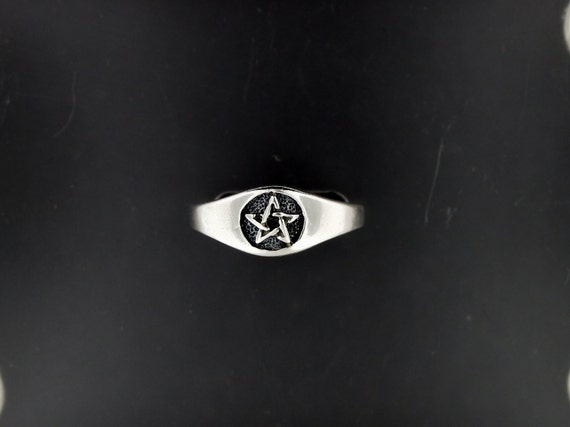 Ladies Sterling Silver Pentacle Ring