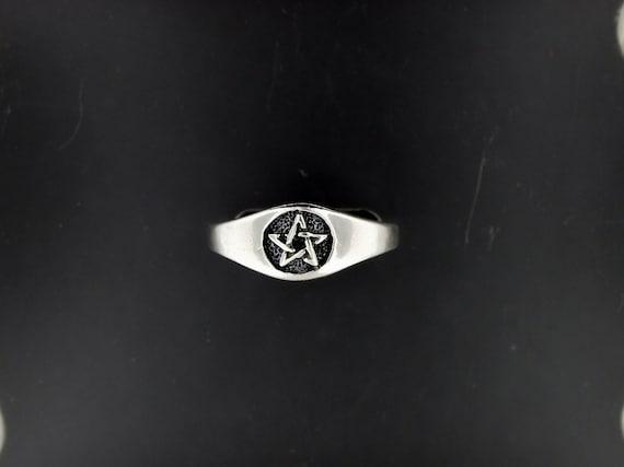 Ladies Sterling Silver Pentacle Ring