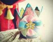 Marie Antoinette inspired crown mini top hat fascinator