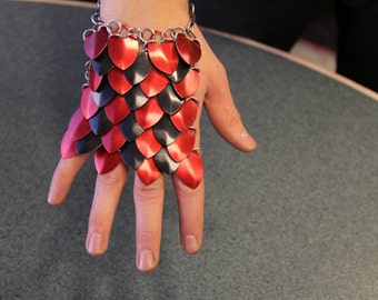 Scalemail Armor Handguards - Red and Black