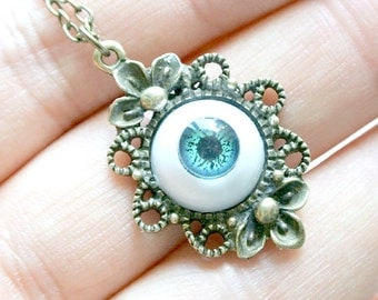 Green Eyeball Necklace, Halloween Necklace, Funky Necklace,Scary Jewelry