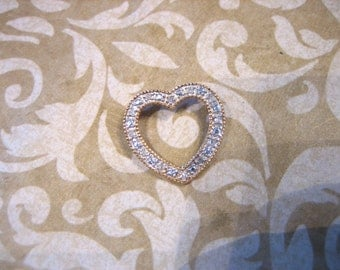 Vintage 10K Yellow Gold w 12 Diamond Chip Heart Pendant Charm