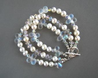 Teardrop and White Freshwater Pearl Bracelet White Pearl Wedding Bracelet Pearl Bridal Bracelet Teardrop Pearl Bracelet