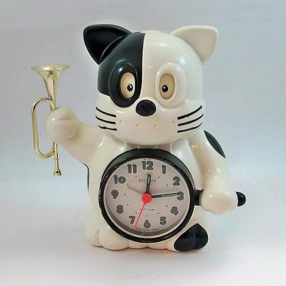 Rhythm vintage alarm clock