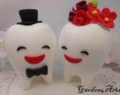 Custom Wedding Cake Topper--Love Teeth couple with circle clear base