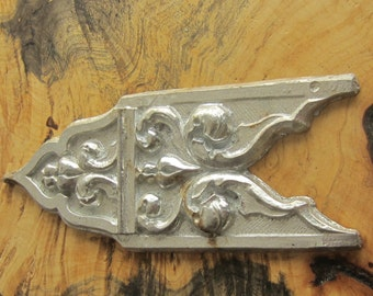 Sweet Old Applique - Los Angles Deco Salvage - Cast Aluminum - Gothic Deco Style