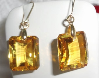 35 cts Natural Emerld Mix cut Lemon Quartz stones, 14kt yellow gold hooks Pierced Earrings
