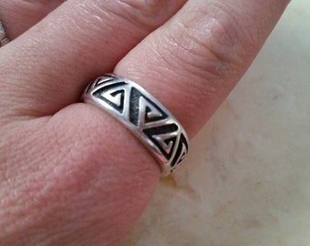 Vintage Sterling Silver Band Ring Geometric Triangles Wedding Band 925 Men Size 11