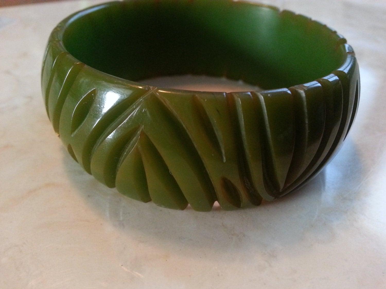 sale vintage heavily carved bakelite jewelry bracelet green