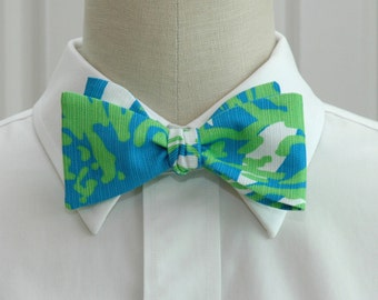 Lilly Bow Tie in limeade Roar of the jungle (self-tie)
